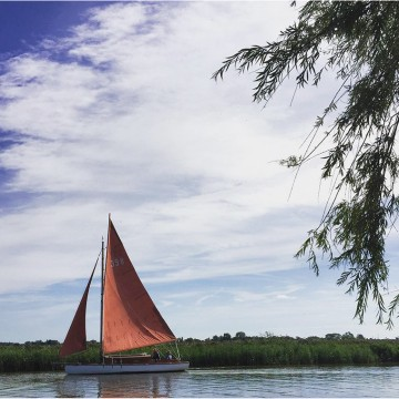 You don't have to arrive by car, with access directly to the Norfolk broads there is the option of a more nautical arrival.